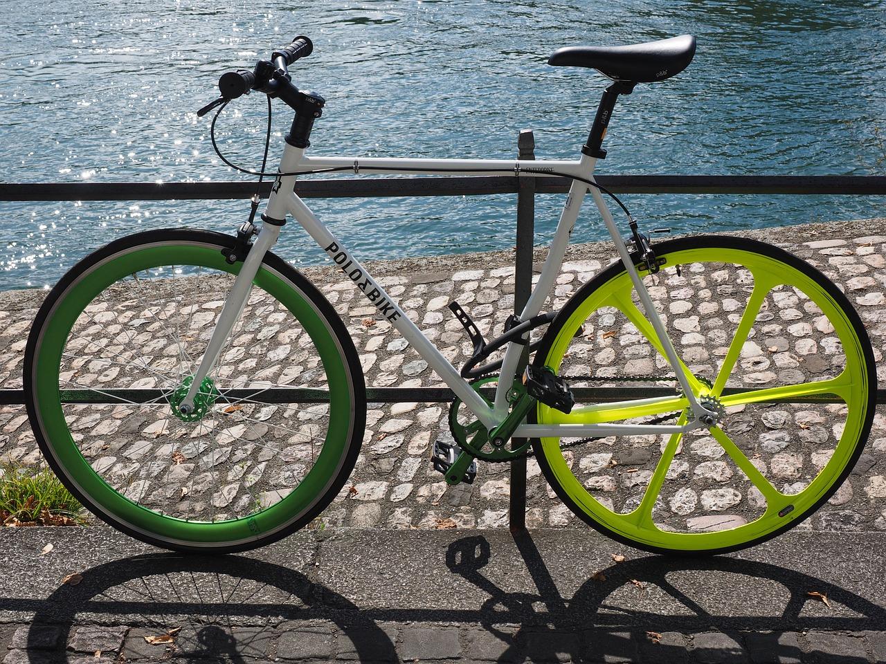 Ein gutes Rennrad kostet durch die hochwertigen Materialien auch so einiges. Von daher solltest Du es immer gut anschließen.